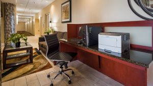 Hotel with 24 Hr Business Center in Cleveland
