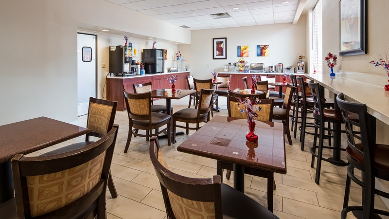Free Breakfast Hotel near Cleveland Airport