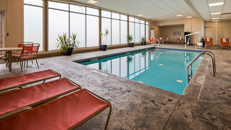 Hotel near Cleveland Airport with Indoor Pool